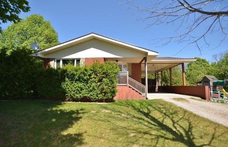 Country Home with Granny Flat or Rental Potential!